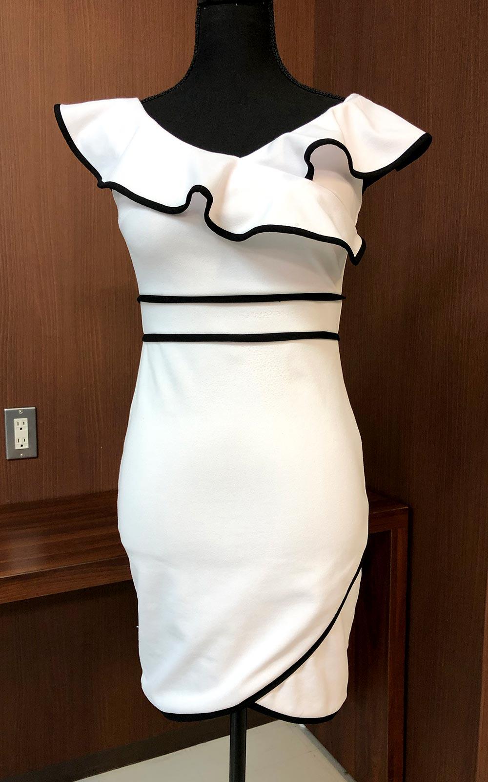 エレガントさとキュートさを両立させちゃうドレス