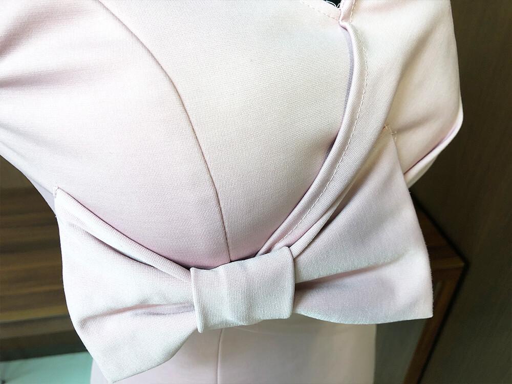 ベイビーピンクがフェミニンなドレスアップ画像