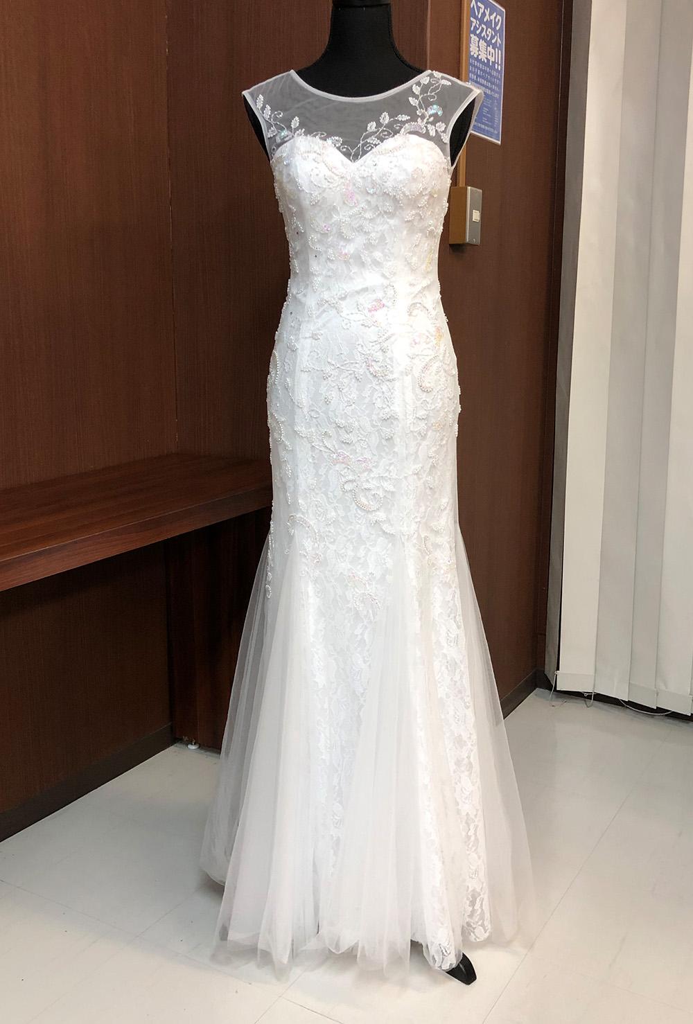 流れるようなマーメイドラインのドレス